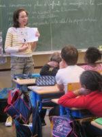 Alice intervient dans une classe